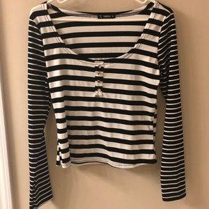 Striped long sleeve top.